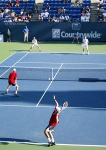 Парная игра в большой теннис