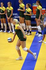 Упражнения для совершенствования подач в волейболе
