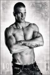 Cильная мускулатура и красивое телосложение отличают спортсмена